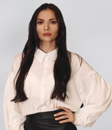 Нина Коник